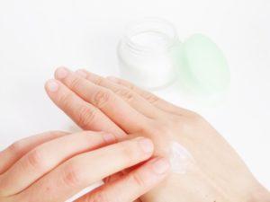 手 乾燥対策
