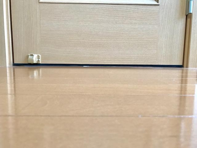 """""""隙間テープ ドア 貼り方"""