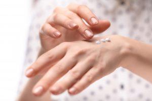 ハンドクリーム 効果的 塗り方