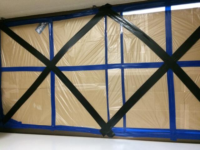 台風窓ガラス対策