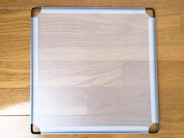 ダイソー組み立てラック半透明パネル
