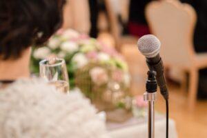 結婚式の友人代表スピーチ
